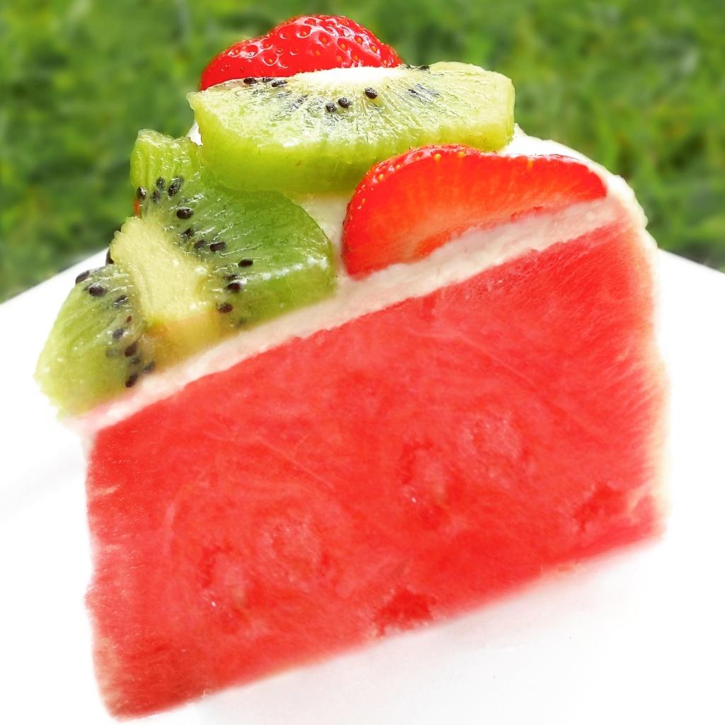 melon-cake,-watermelon,-paleo,-watermeloen-taart- kiwi aardbei