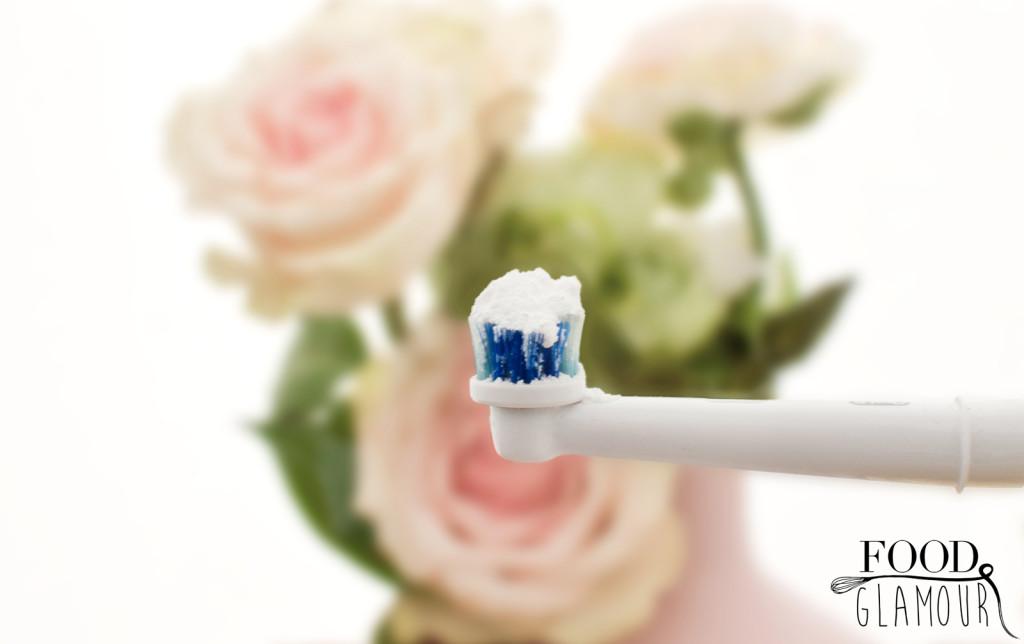 natuurlijk-tandenborstel-witte-tanden-baking-soda-foodglamour1