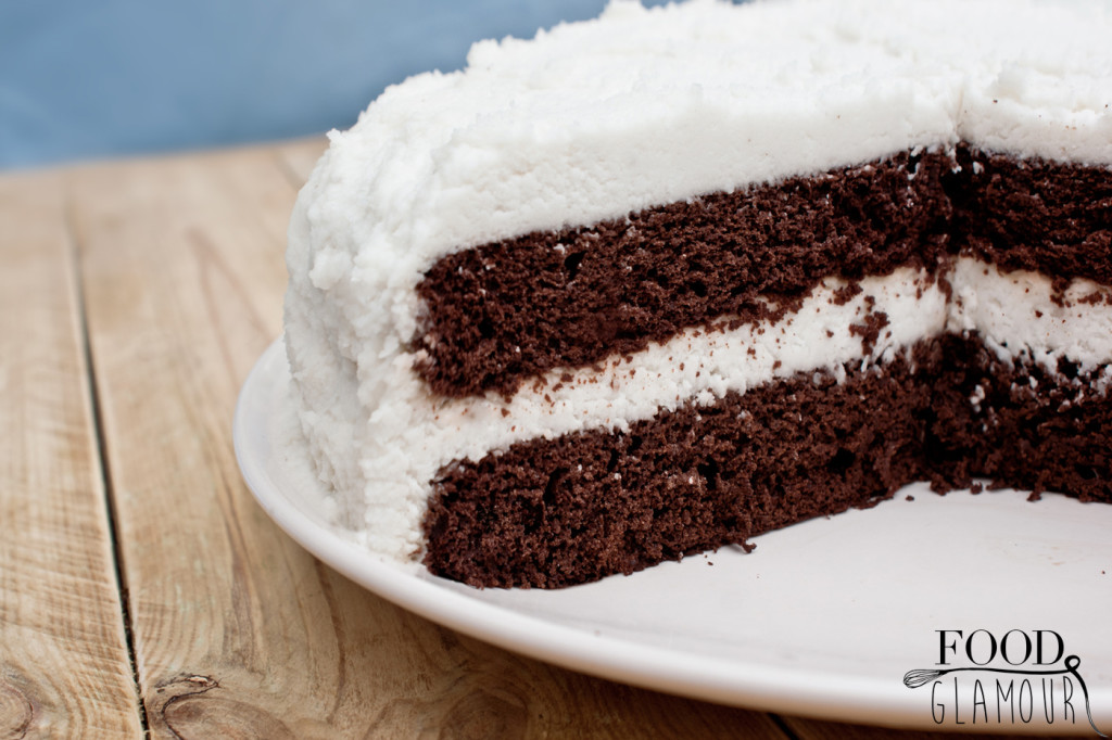 chocolate-cake--white-frosting-bountyjpg