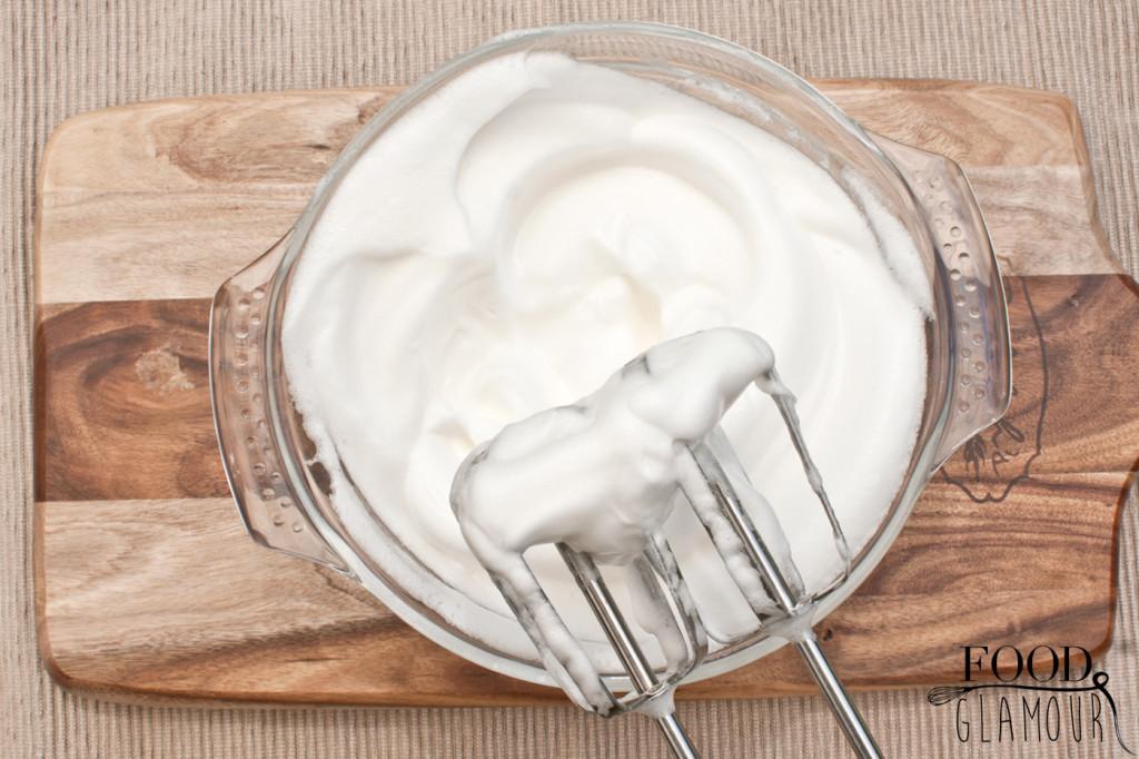 egg-whites-meringue-foodglamour