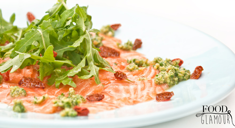 zalm-carpaccio,-salmon-carpaccio,-food-glamour,-foodglamour,-rucola,-goji-citroen